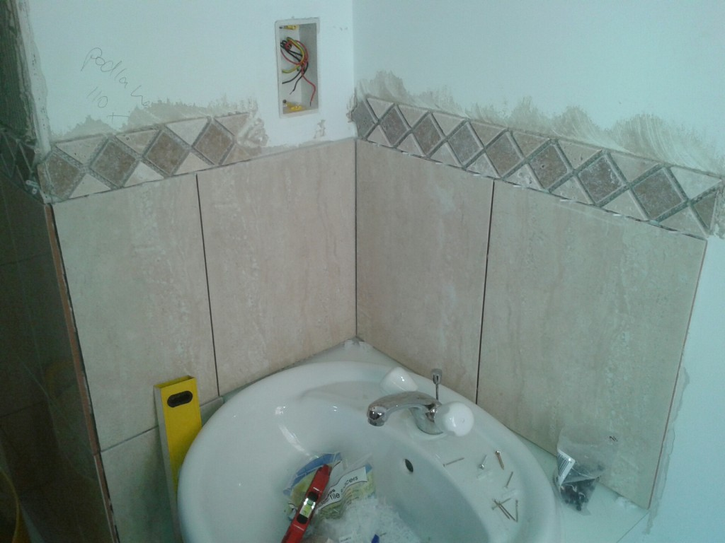 Wall and Floor Tiling Services Surrey | Fix It Surrey
