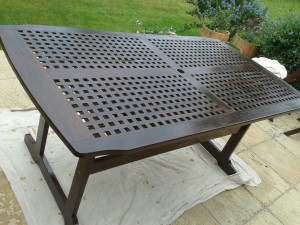 garden furniture varnishing Guildford