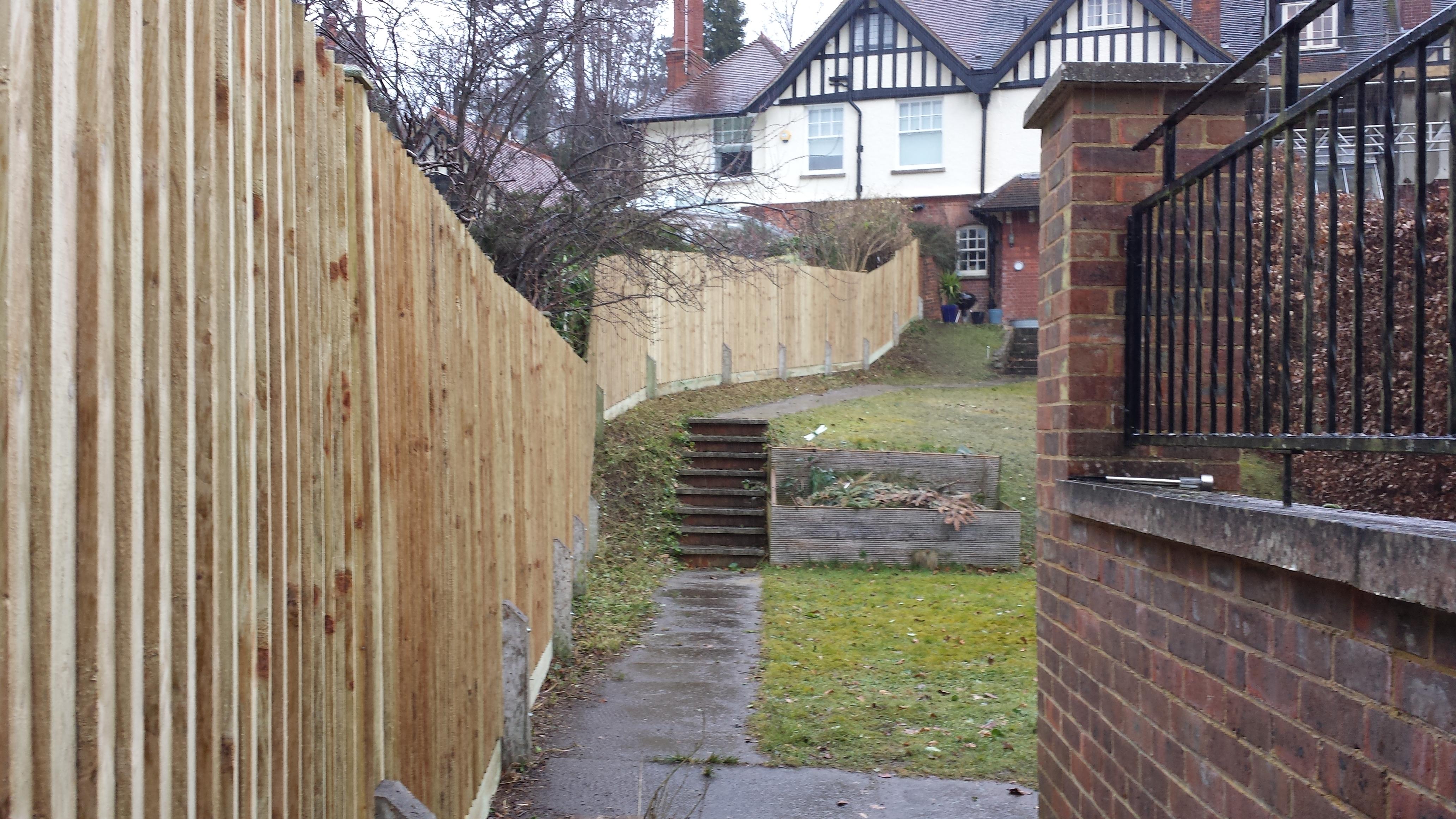 Building 40 Meter Fence In Guildford Surrey Fix It Surrey