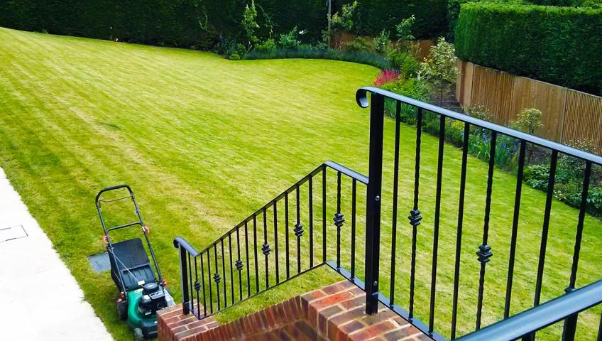 Lawn cutting Guildford, Godalming